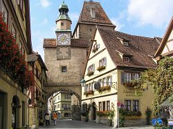 "Bild ""Uhrturm_Rothenburg_01.jpg"""